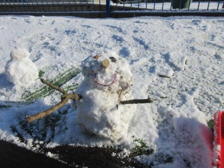 group PE snowman